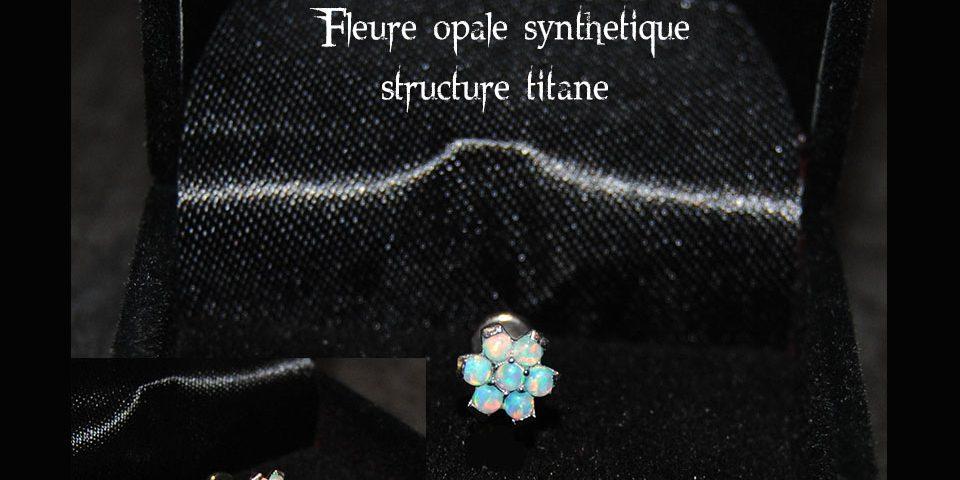 Fleure opale blanche